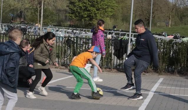Er werden veel sporten en oud-hollandse spelen gedaan bij de Koningsspelen in Culemborg
