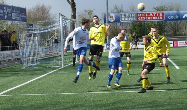 Den Ham verloor zaterdag met 0-5 van DOS Kampen en zit in degradatienood.