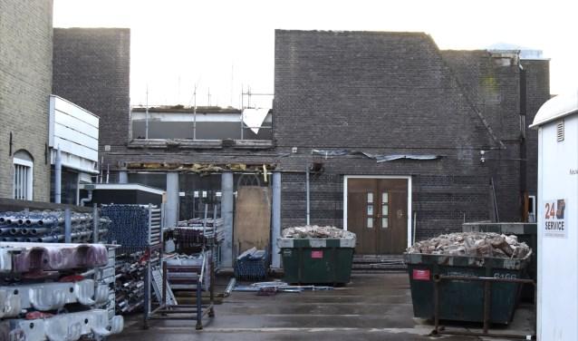 De 'onthoofde' Turfmarktkerk is weer terug gegeven aan de eigenaar. Foto: Marianka Peters