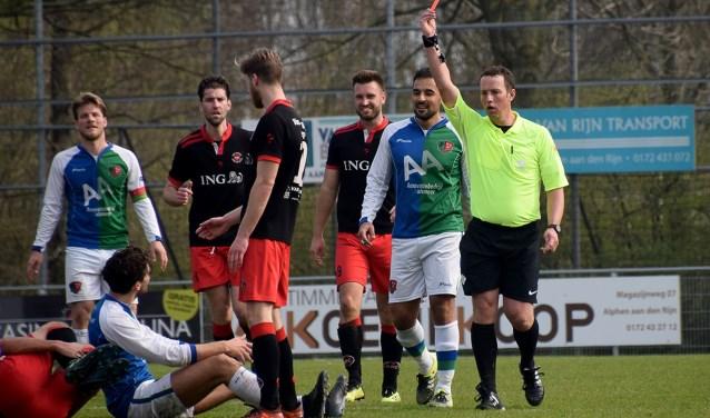 Het ging er soms niet al te vriendelijk aan toe tussen ARC en het fysiek spelende FC Aalsmeer.