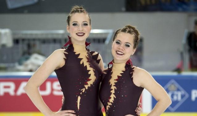 Links Ingvild Geenen en rechts Michelle de Brouwer. Ze gaan naar het WK. Foto: Bert Egelmeers.