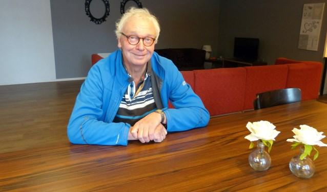 Berkelland heeft sinds kort een nah-café. Op de foto oprichter Jan Hulshof. Voor dit soort 'verbindende initiatieven' is er vanaf komende zomer een speciaal potje.