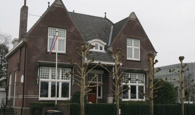 Deze villa uit 1913 is ontworpen door de Tilburgse architect Jos. Donders en is (nog) geen monument. Info: www.heemkundekringtilburg.nl