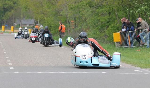Ook de zijspannen zijn weer present tijdens de jaarlijkse klassieker motorrace van motor- en automobielclub De Holterberg.