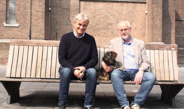 Hugo van Rooij, zijn hond (en mascotte) Bob en straatpastor Rob Kosterman. (Foto: Martina Roovers)