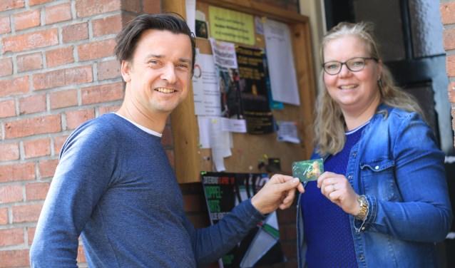 """Pieter en Rianne: """"Er is niemand de baas over het bord, dit doen we voor elkaar met elkaar."""" (foto: Feikje Breimer)"""
