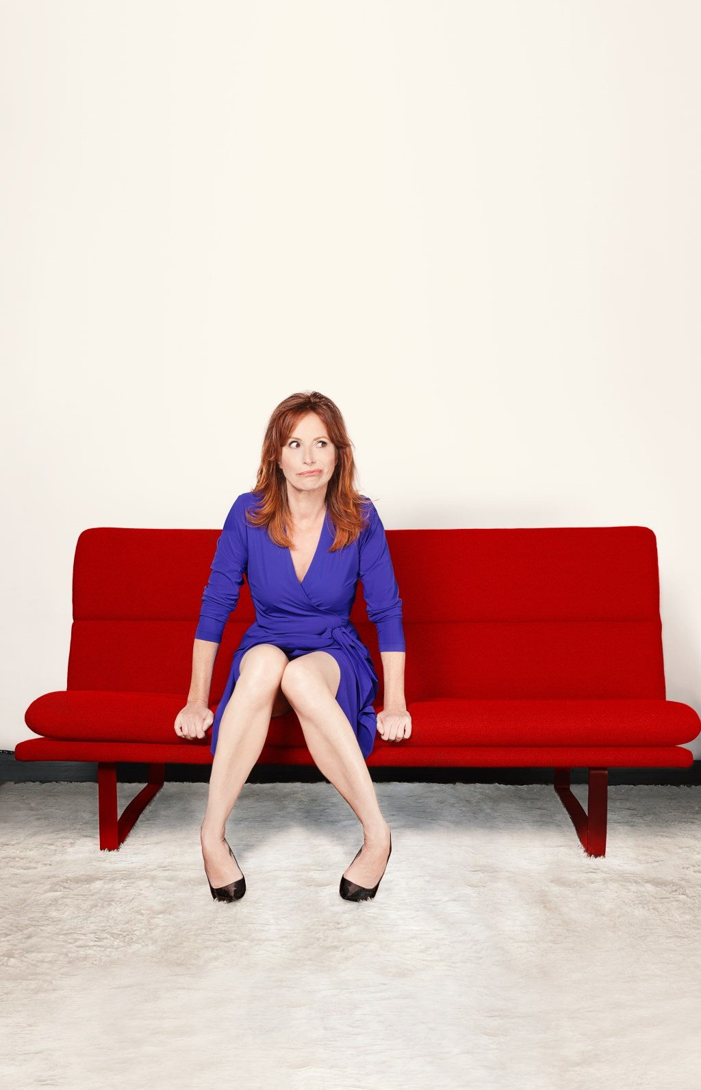 Op vrijdag 5 april staat Marian Mudder in huiskamertheater De Verwachting met haar cabaretvoorstelling 'Sofasessies'.