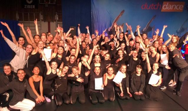 alle 75 dansers met 6x goud en 3x zilver