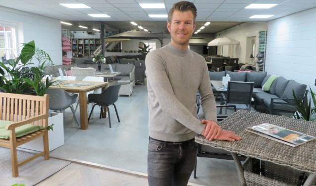 Reamon Breukers van 4 Seizoenen Tuinmeubelen, dat ook shop in shop vestigingen heeft in Emmen, Purmerend, Weesp, Zoetermeer en Heesch.