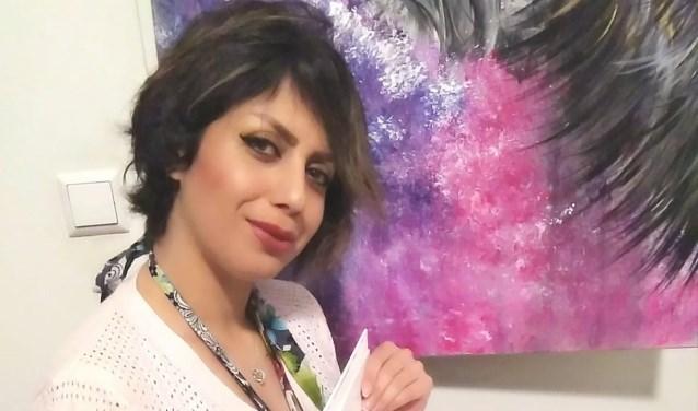 Sara Vazifehshenas.