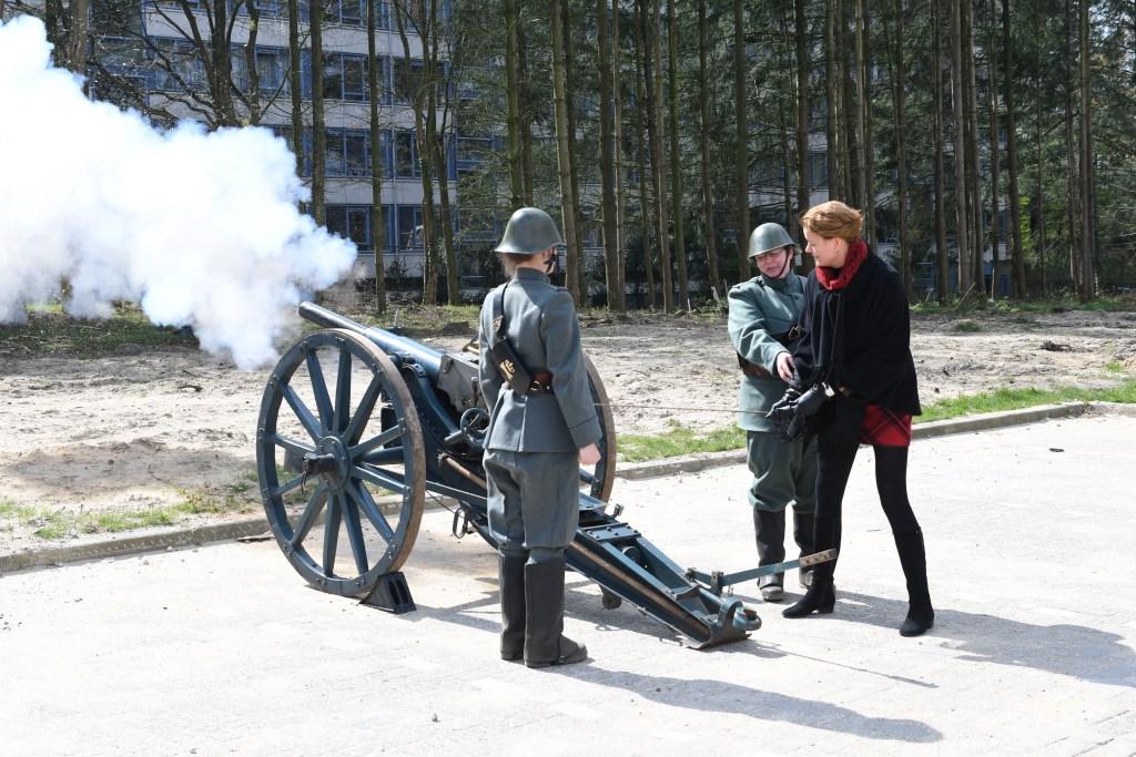 wethouder Veltman opende op gepaste wijze de Historische Middag Foto: Bert Vos © Persgroep