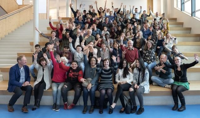 Groepsfoto leerlingen en mentoren School's cool Delft