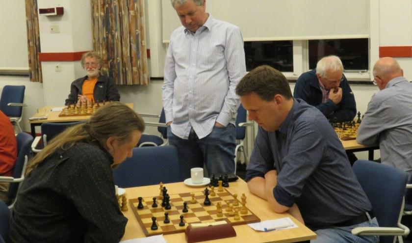 In de halve finale beker wordt evenals vorig jaar het duel Pauw (rechts) tegen Hofstra gespeeld. (Foto: archief BSV)
