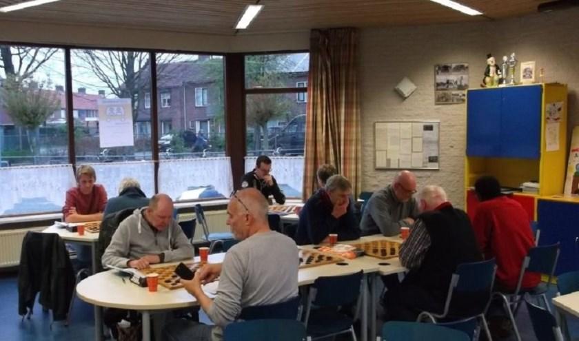 De dammers van WDV in het nieuwe onderkomen bij't Hakkie.