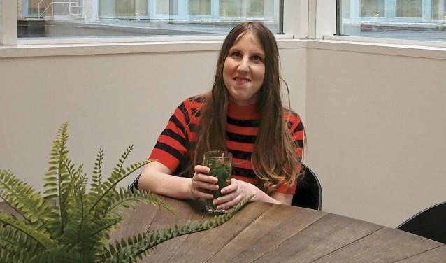Celine Frank kijkt uit naar de presentatie van haar debuutroman. (Foto: Nathalie Arnoczky Photography)