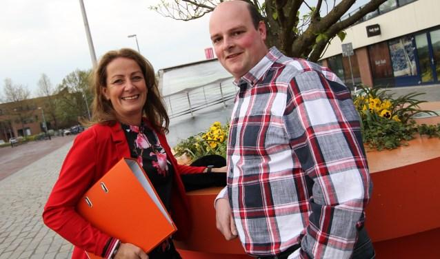Kristel Gijsbers-Voets en René Klein zijn klaar voor de 2e editie van de Oranjemarkt in het Citycentrum. FOTO: Ad Adriaans.