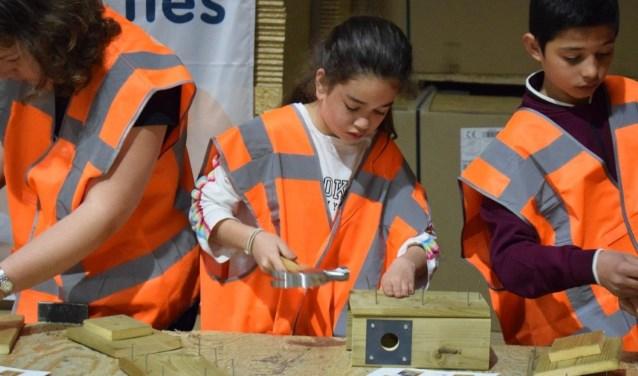 Leerlingen van diverse basisscholen uit Molenlanden namen op 17 april voor het eerst deel aan de Techniekroute. (Foto: Privé)