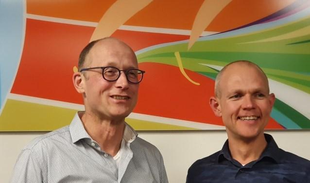 De oude en nieuwe voorzitter Peter Beernink en Maarten Kuipers van Iphitos.