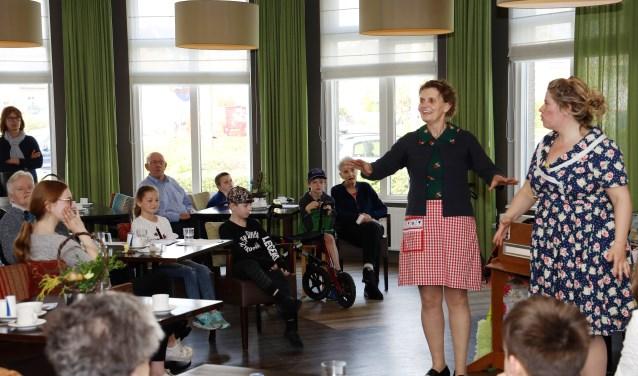 Theatergroep Bint speelde een verbindende rol. (foto Marco van den Broek)