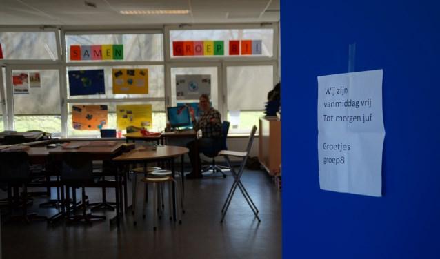 Juf Gerdien van groep 8 van de Willem van Oranjeschool in Brakel stond na de lunch op maandag 1 april voor een leeg klaslokaal.