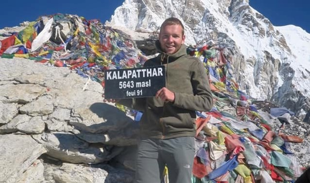 Spreker Jordy Morsinkhof tijdens zijn trektocht door Nepal.