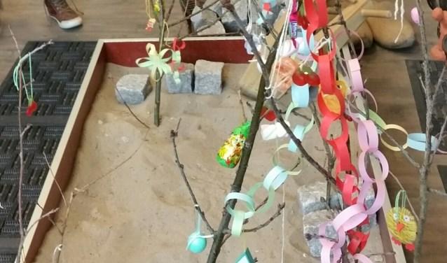 Volop belangstelling in 2018, zo te zien aan de palmpaasstokken. Ook dit jaar zijn kinderen weer welkom.
