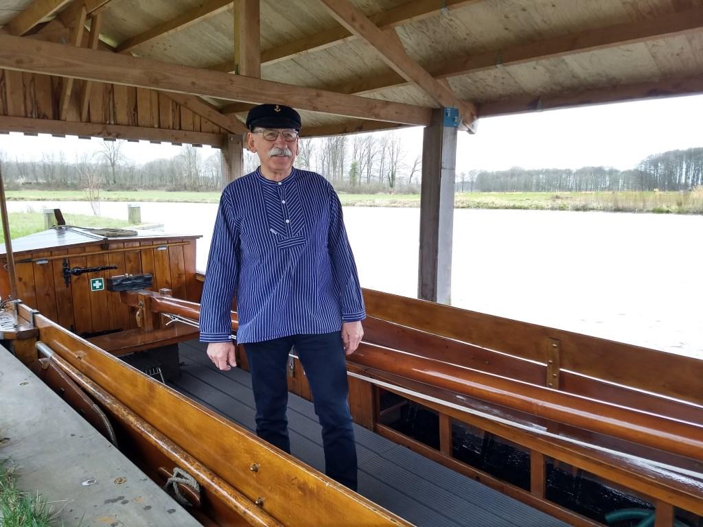 Gerrit Nijkamp is schipper van de Fute vanaf het begin.  © Persgroep