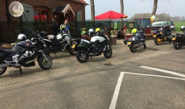 De motorclub 'n Tuf houdt jaarlijks veertien ritten voor motorrijders en twee voor brommerrijders.  Eigen foto.