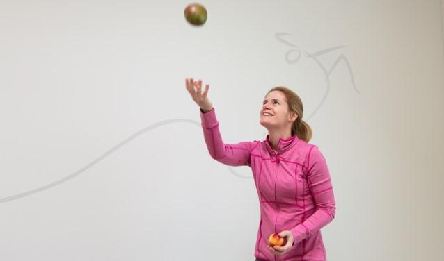 Fysiomanueeltherapeut Judith:veelzijdige beweging, gezonde voeding en de happy mind in beeld, dat zijn de pijlers in de blauwe zones