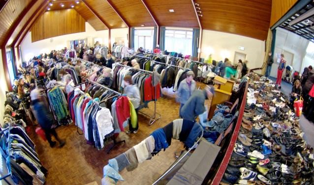 De Diaconale Werkgroep Den Ham houdt vrijdag en zaterdag weer een grote kledingbeurs in De Rank.