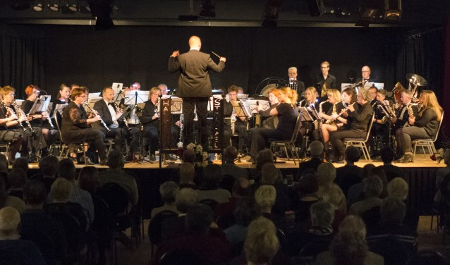 Harmonieorkest Sint-Michaël geeft een concert in de Huif.