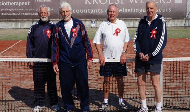 V.l.n.r.: Dick Plokker, Herman Brouwer, Hennie Grijsen en Rein Bous.