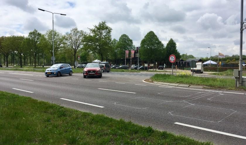 De afslag op de N65 bij restaurant In 't Groene Woud voor verkeer vanuit Tilburg komt na reconstructie van deze weg te vervallen.