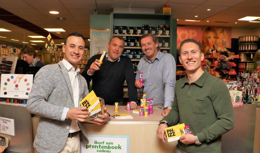 """De vier ondernemers Jordy Koelhuis, Robbert van Atten, Oldrik Beelen en Thomas Gouweleeuw. """"Superblij met Phizz."""" Foto: Otaweb"""