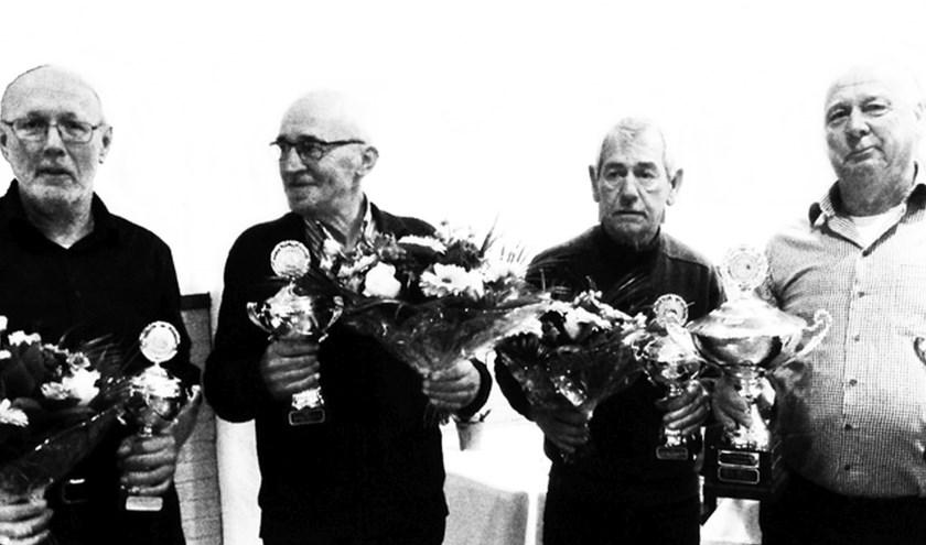 Gerrit Heersink, Emiel van der Worp, Bennie Veldhuis en Theo van Rooijen bleken een maatje te groot voor De Veldmaat 2.