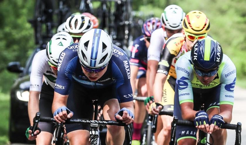 De wielerkaravaan doet dit jaar grote delen van aan.  Foto: Sportfoto.nl / Dick Soepenberg