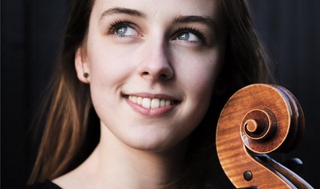Wytske Holtrop op Cello