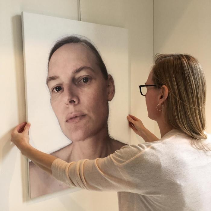 Petra de Vries installeert 'Petra de Vries'