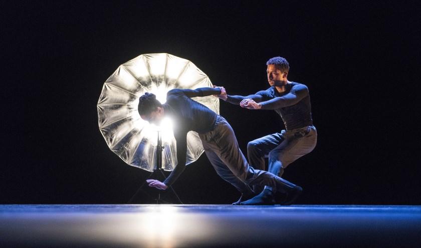 Er komen een aantal belangwekkende dansgezelschappen naar Tilburg, waaronder het Italiaanse Aterballetto. foto: Ralf Mohr