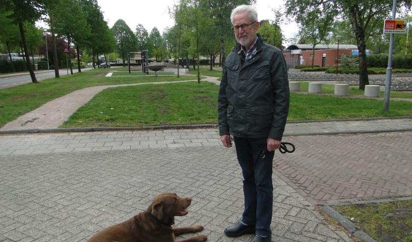 Barnevelder Vossengat met hond Max bij het Oosterbos.