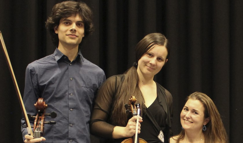 Anna Britala, Camillo Cabassi en Sharon Niessen.