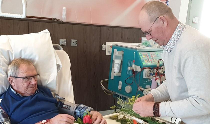 Dialysepatiënten werden tijdens hun dialysebehandeling even extra in het zonnetje gezet.