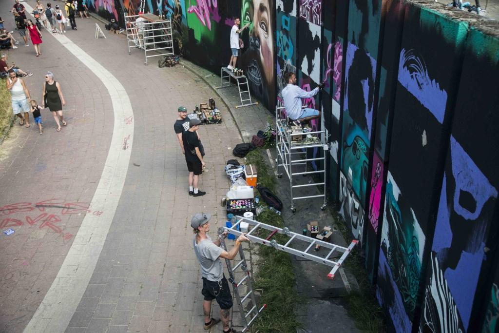 Meer dan 120 graffiti-artiesten laten hun mooiste 'tags' achter in De Berenkuil. (Foto: Thomas Meijerman).   © Persgroep