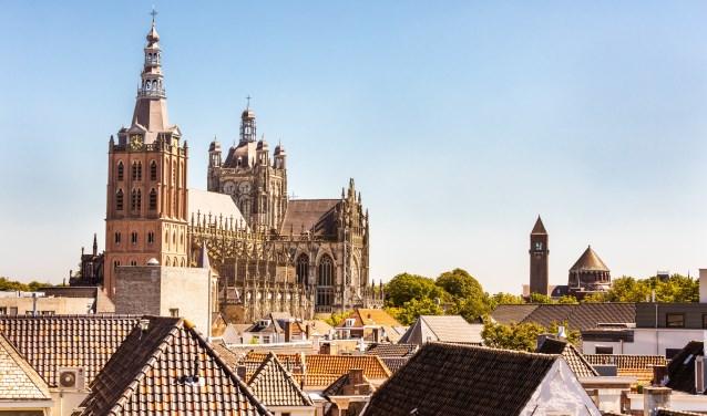 Bij een bezoek aan Den Bosch kan men eigenlijk niet om de Sint-Jan heen.