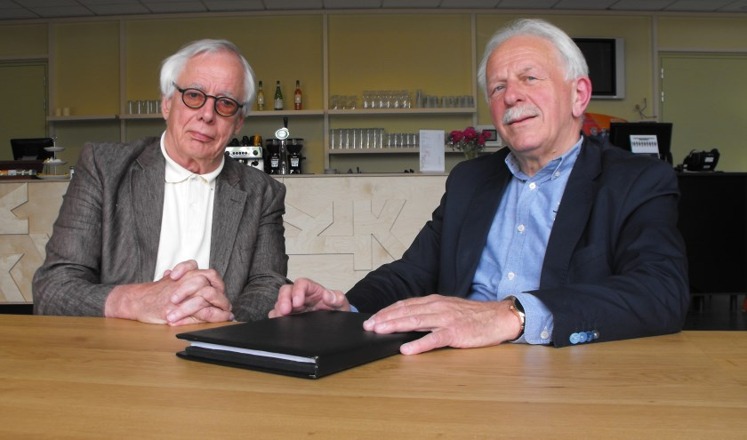 """Peter Has (links) en Bennie Wielens. Has: """"Ik proef bij iedereen een goede wil. Samen met de gemeente en alle andere betrokkenen willen we aan de slag voor een goede toekomst van het Kulturhus."""""""