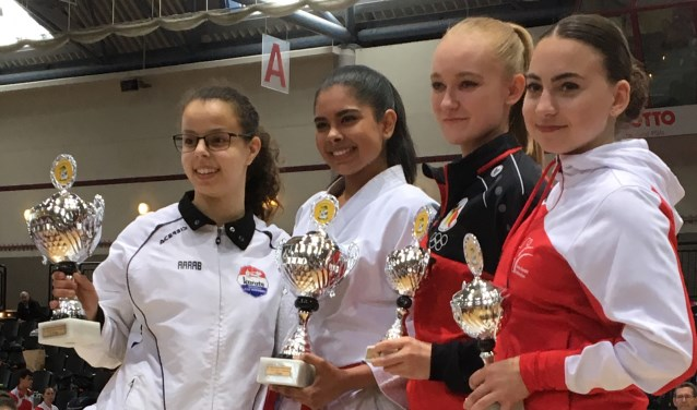 Prijswinnaars Rheinland-Pfalz Open 2019 categorie dames junioren. Foto: J v.d. Hoofdakker.
