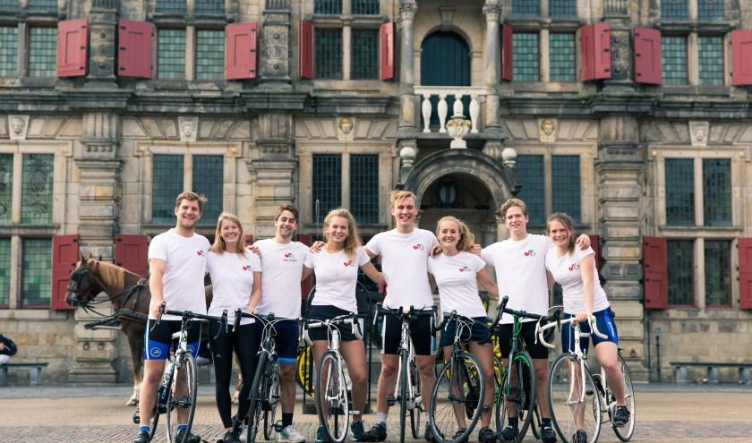 Het team van Heart to Handle, vlnr Ysbrandt, Vivian, Ole, Elise, Jasper, Evelien, Max en Elisabeth.