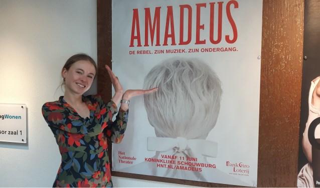 HNT actrice Yela de Koning is bijna klaar voor de première van 'Amadeus' .