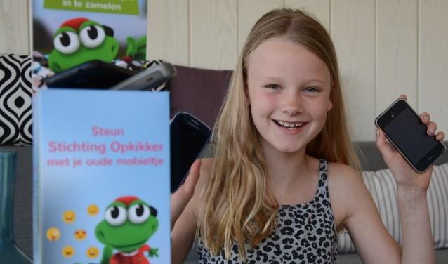 Roos is erg enthousiast over haar werk als ambassadeur voor de stichting Opkikker. Ze hoopt met haar acties veel geld in te zamelen.