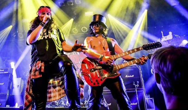 Guns N' Roses by Slash N' Roses, een van de deelnemende bands aan het Legends of Rock Tribute Festival XL in Doetinchem.